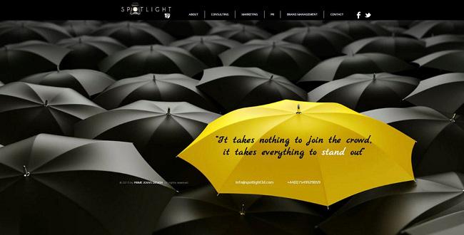Wixホームページビルダーで作成された印象的な色使いの画像を上手く使ったホームページの例