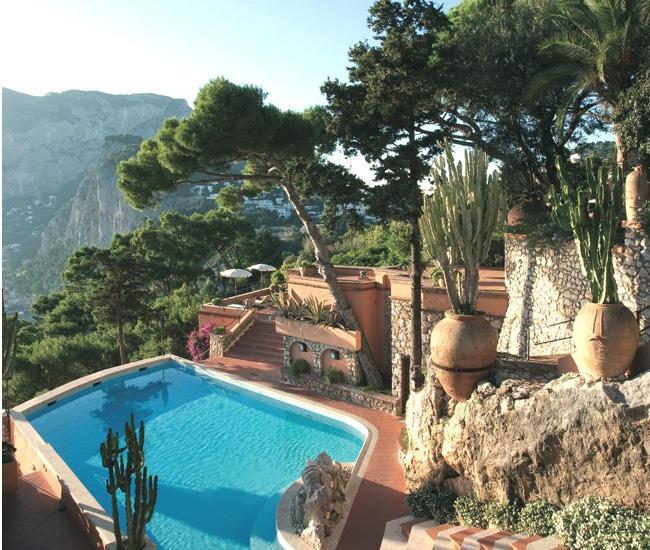 イタリアの絶景プール