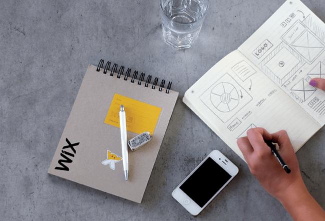 ウェブデザインの構成を企画中