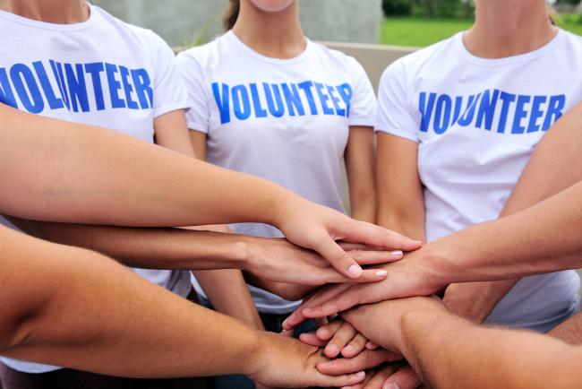 ボランティアをする社員