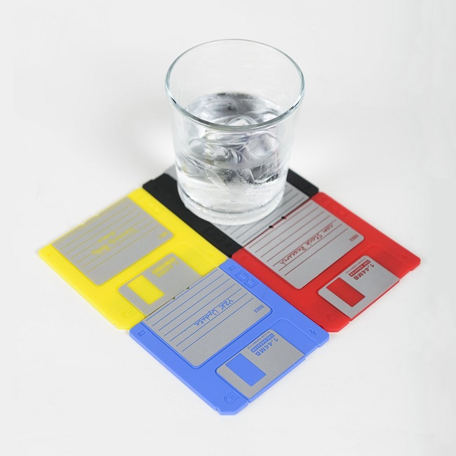 レトロなフロッピーディスクコースター